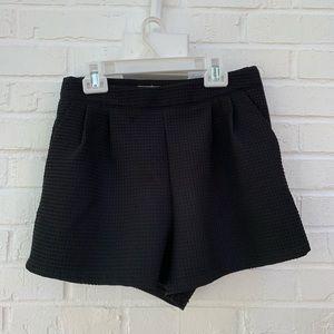 Ribbed shorts with pockets